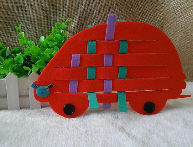 幼儿园区角游戏活动投放材料编织汽车 幼儿园自制玩